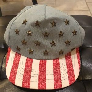 "Accessories - American flag ""Free"" snap back"